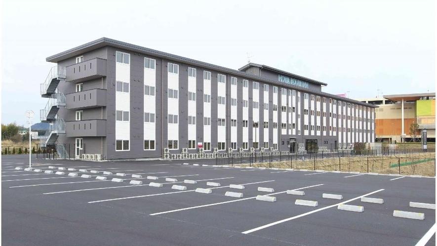【駐車場】平面無料駐車場135台完備