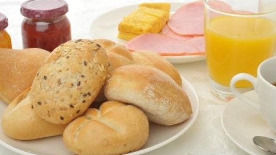【朝食イメージ】ヨーロッパから直輸入のパン