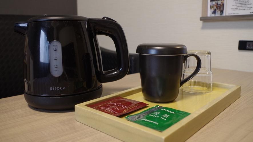 【客室】ポット・お茶・カップグラス