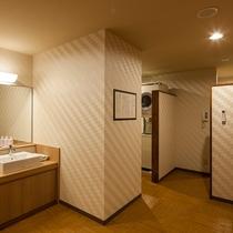 女性大浴場には女性専用コインランドリーを2台設置ですので、安心してご利用頂けます。