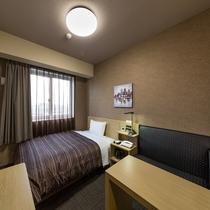 ベッドサイズ130×200(cm)のシングルルーム