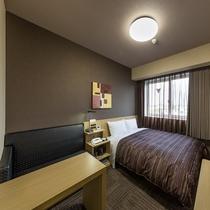 ダブルルームはベッドサイズ160×200(cm)
