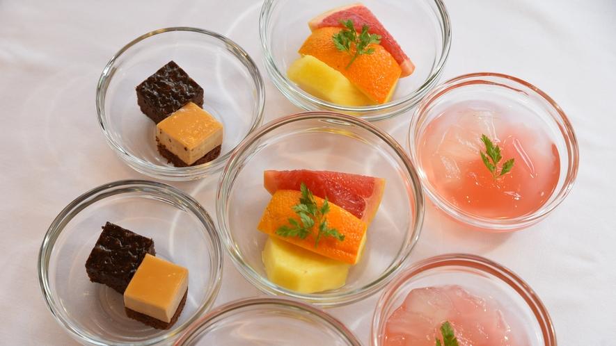 季節のフルーツとデザート