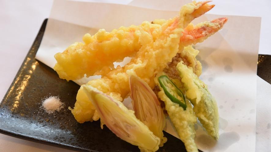 天ぷら-盛り合わせ- 揚げたての天ぷらをお召し上がりください!!