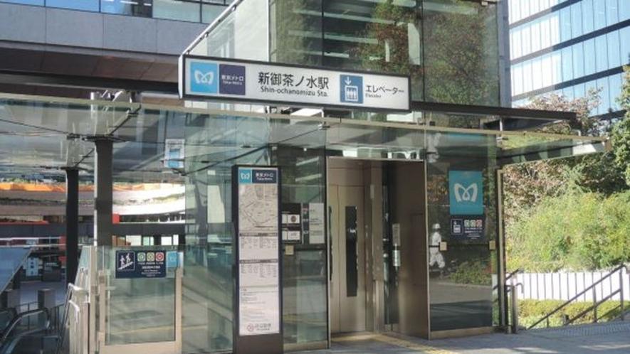 東京メトロ千代田線B4出口 徒歩約5分 B3(EV)約6分