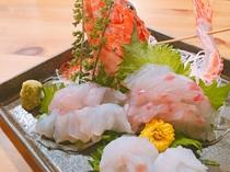 【ご夕食】新鮮なお刺身のお造り ※一例