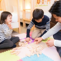 貸し出しのおもちゃで、お部屋でも家族で楽しんじゃいましょう♪
