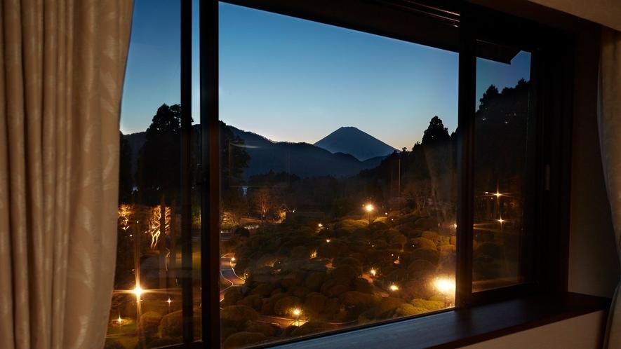 客室「富士山ビューデラックスツイン」
