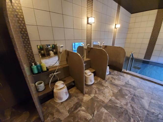 女性大浴場:洗い場