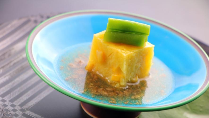 夏の会席一例 小鉢_とうもろこし豆腐