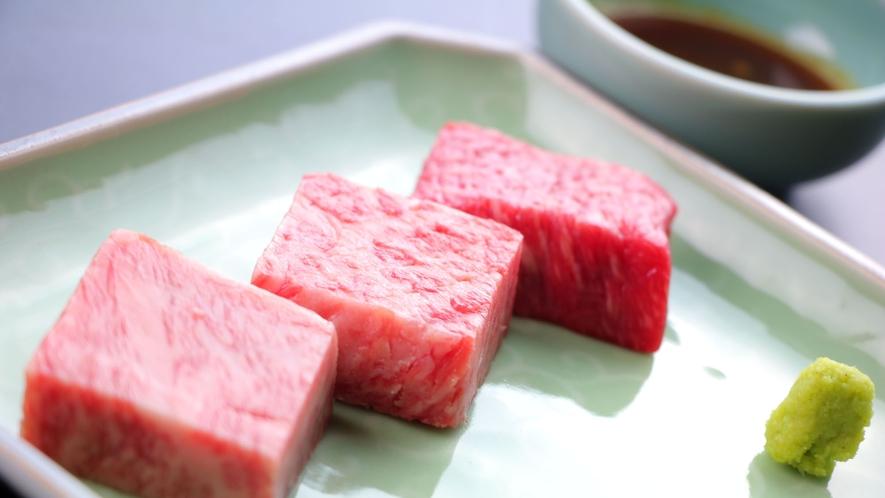 夏の会席一例 宮崎牛の石焼き_ロース、イチボ、シンシン(塩・わさび・タレ)