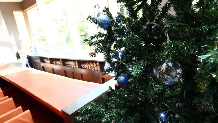クリスマス仕様のレセプション棟