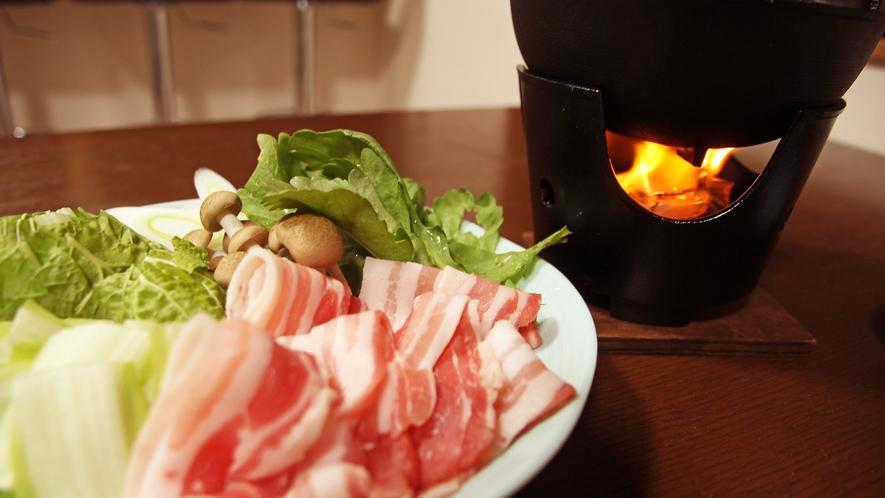 *【夕食一例】温泉湯豆腐(黒豚しゃぶ付き)