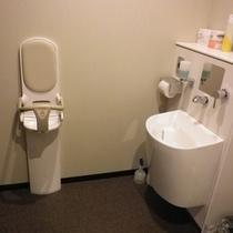1階ロビー多目的トイレ
