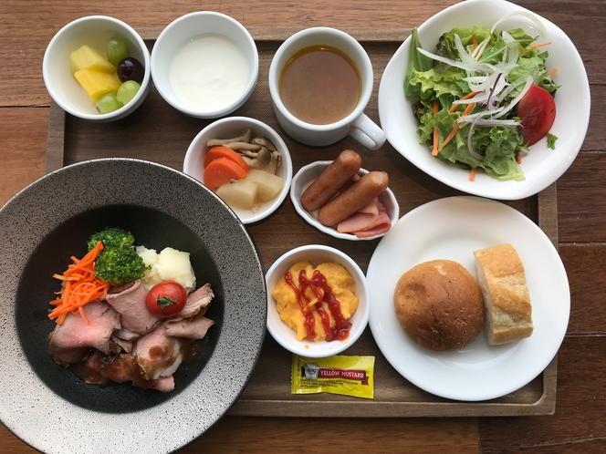 【期間限定朝定食】】自家製ローストビーフシャリアピンソース