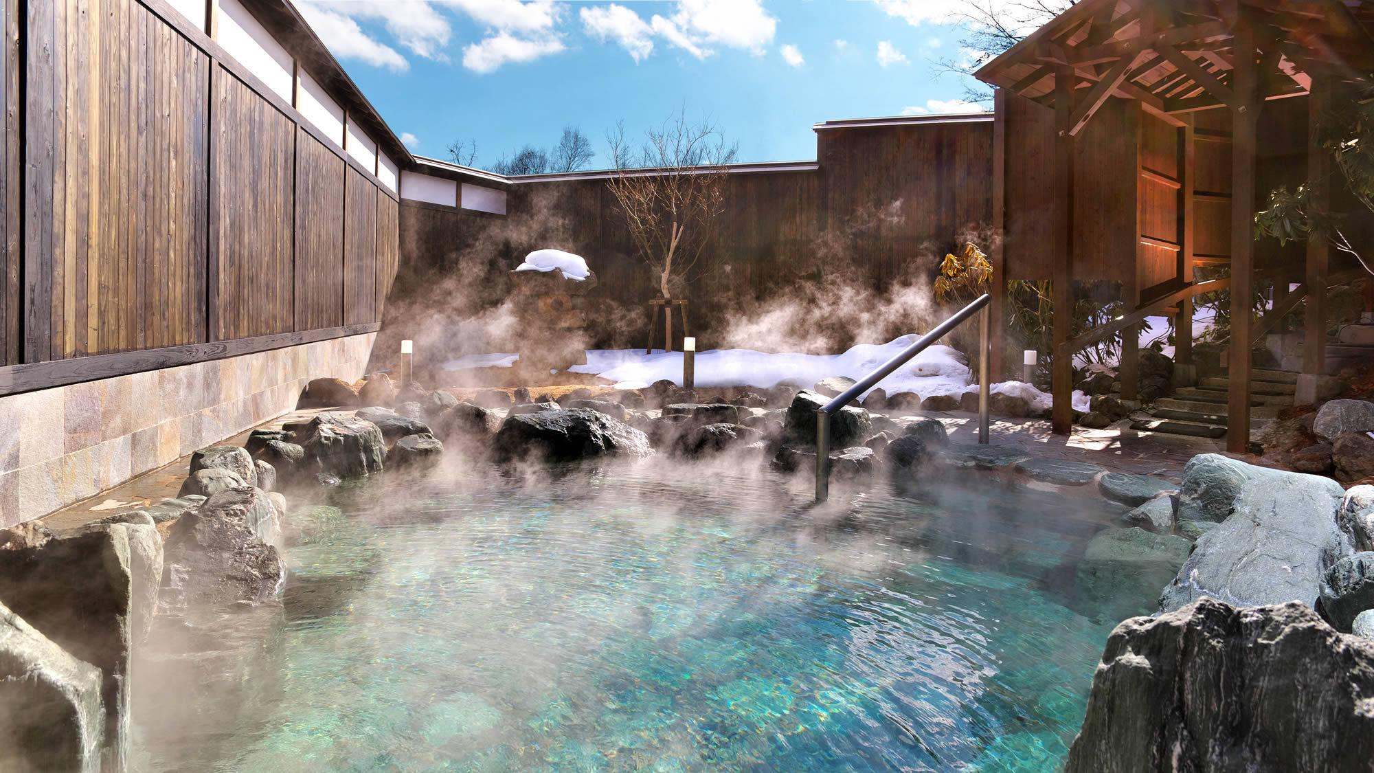 【福の湯(女湯)露天風呂】酸性が強いので、ピーリング力抜群!美肌効果もトップレベルです♪