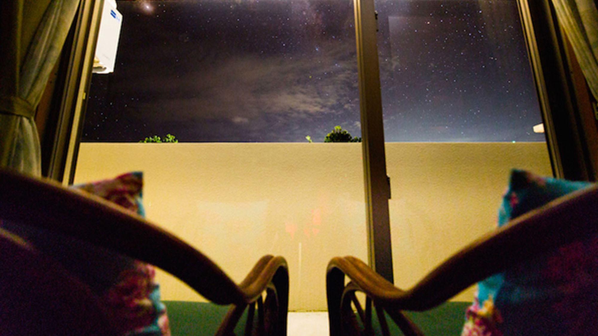 【夜空】幻想的な星空を特別な人と一緒に
