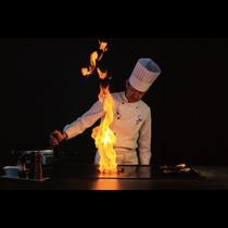 鉄板ビュッフェ「てぃーだ」 シェフが焼く石垣牛の鉄板焼きは絶品です。