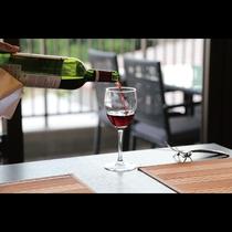 鉄板ビュッフェ「てぃーだ」 料理に合うワインも豊富に取り揃えております。