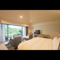 ガーデンビューデラックス 「なんくるの宿」に位置する全室テラス付きのダブルルームです。