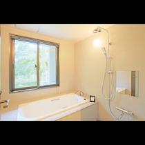 ガーデンビューツイン 洗面台やトイレから独立しており、洗い場がござます。