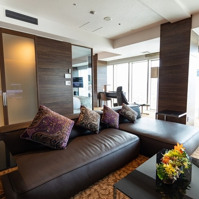 【最高級ルーム】贅沢な客室で夢のひとときを スイートルーム プレミアムステイ (朝食付き)