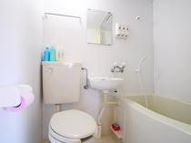 【ログハウス一棟貸】ユニットバス・トイレ