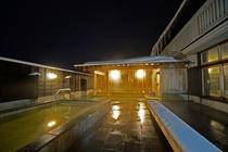 【檜の露天風呂】