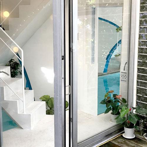 *施設一例/お部屋とプールをつなぐ専用階段