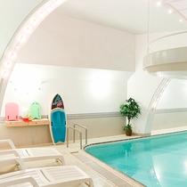 *温水プール/小さなゲスト用のプールグッズはご自由にお楽しみください