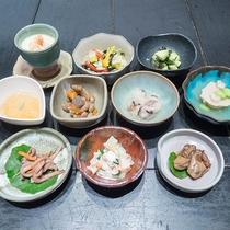 *【夕食一例】小鉢だけでも数種類!いろんなおかずを少しずつ♪