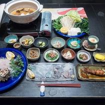 *【夕食一例】地元のネタを使った夕食は20品以上!
