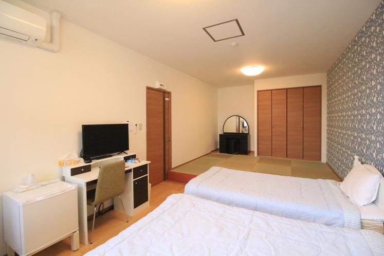 フォースルーム コンビ 洋室+畳敷き