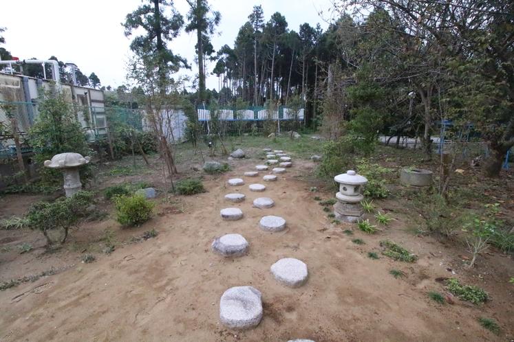小さいながらも庭園を意識した場所もありますので是非どうぞ!!