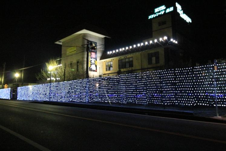 ホテル全体がイルミネーションで光々としております。