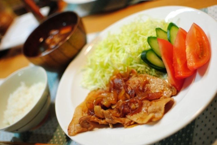 日替わり夕食の例となります。他、定食メニュー等もございます。※連泊でも日替わり夕食が楽しめます!!