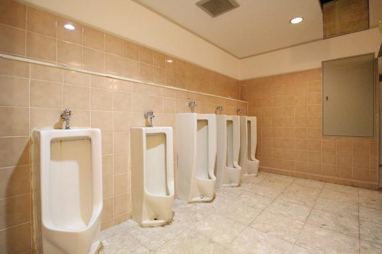 館内 男性トイレ(ユニット内以外にも館内には複数ヶ所にトイレが御座います)