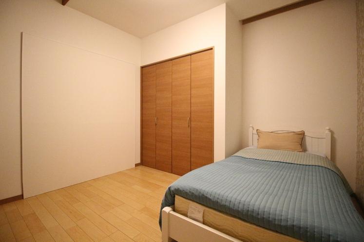 Dユニット内の客室 D-4 シングルルーム 9.84㎡ SB×1台
