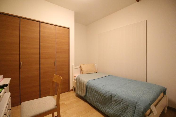 Dユニット内の客室 D-1 シングルルーム 8.96㎡ SB×1台