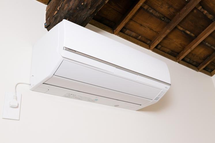 2階板の間ツインルームのエアコン