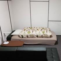 【ゲストコテージ】ソファーベッド2台利用!ごゆっくりお寛ぎください♪