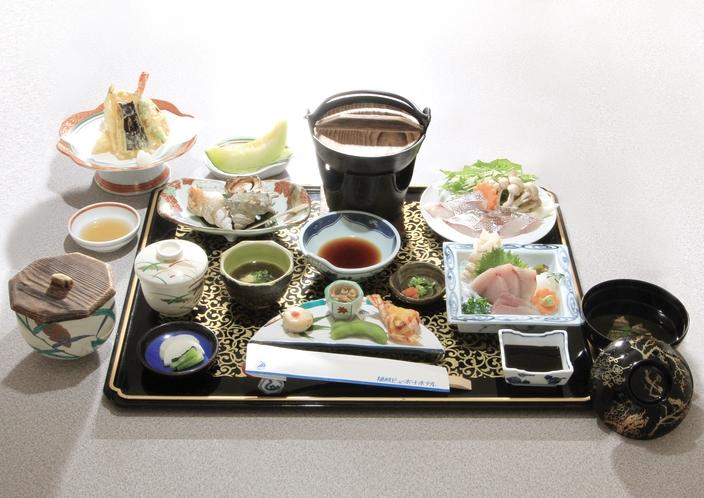 お食事(メニューは季節・天候等により変更される場合があります。