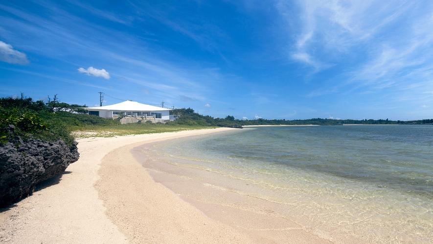 【浜辺】施設すぐそばの浜辺で海水浴を楽しみましょう