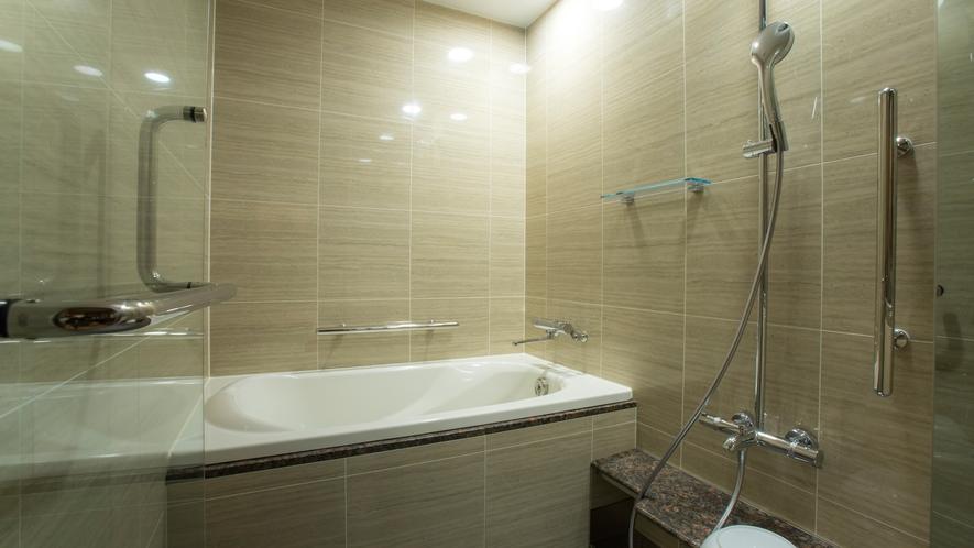 本館モデレート客室(浴室一例)