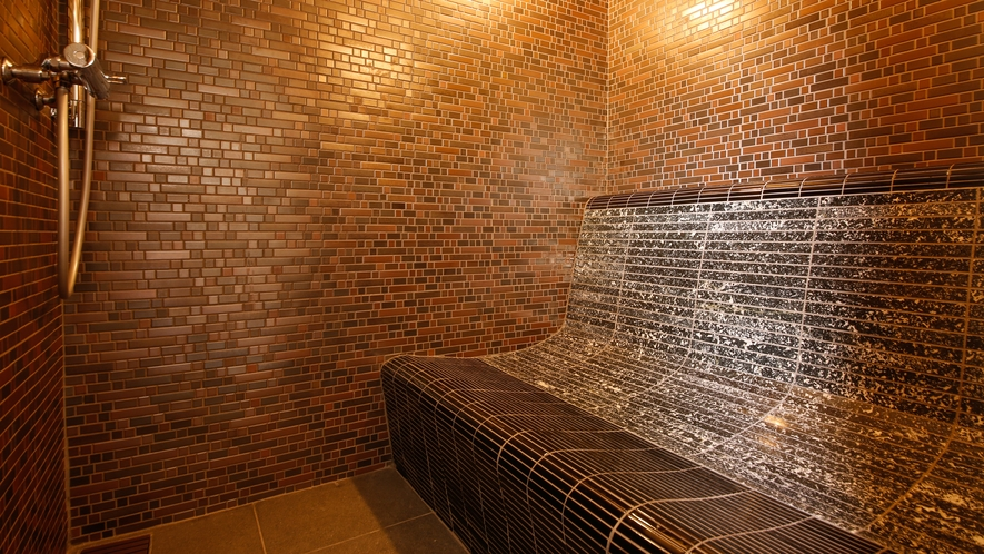 サウナ付と岩盤浴チェア付から選べる貸切露天風呂「なごみ湯」(※写真は岩盤浴チェア付)