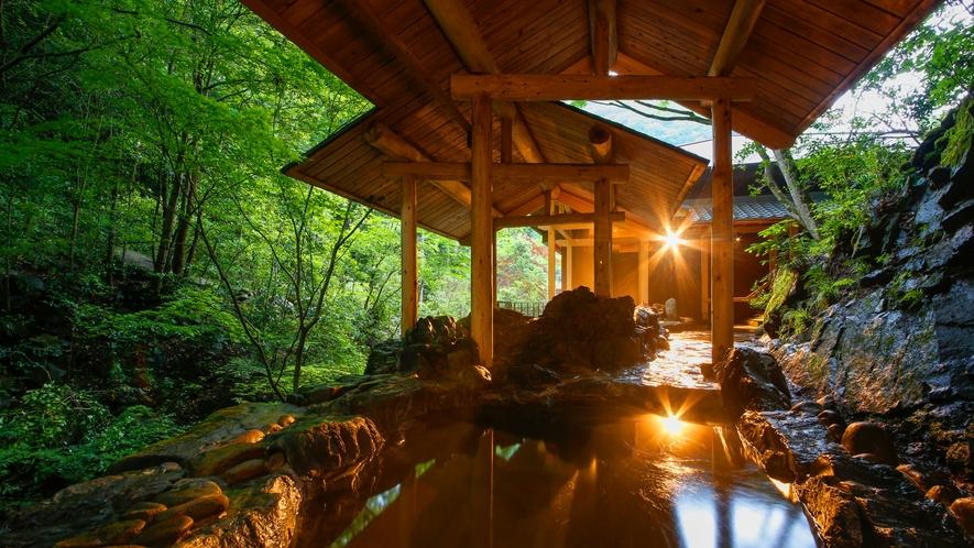 美合温泉・河畔風呂「せせらぎ」 岩風呂