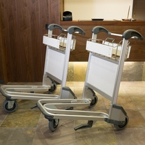 旅にはかかせないお荷物を運ぶためのバゲッジカートもご用意しております。