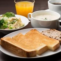 ご宿泊されたお客様には軽朝食をご用意しています。