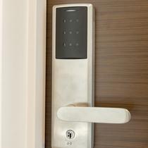 安心のカードキーセキュリティを全室に設置しております。