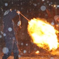 【冬】 雪で白く染まる武家屋敷通り